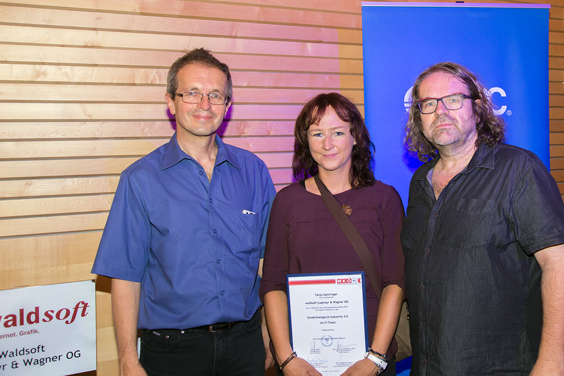 Lehrlingswettbewerb Industrie 4.0 - Tanja Gattringer mit Ludwig Wagner und Martin Lugmayr, Foto waldsoft